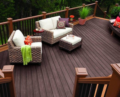 transcend-decking-railing-vintage-lantern-stairs-seating-area